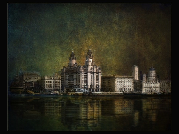 england_joan-blease-arps-efiap-cpagb-bpe3_liverpool-waterfront_digital-experimental_highly-commended