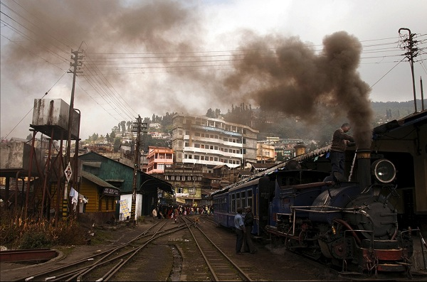 england_pam-lane-arps-dpagb_kurseong-station-darjeeling_digital-phototravel_highly-commended