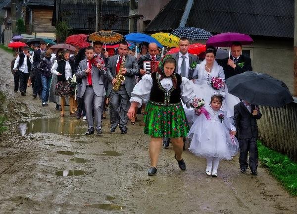 italy_valerio-perini-efiap_rumanian-wedding_digital-phototravel_fiap-silver-medal