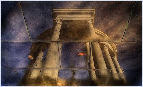 129-Cathays-Cenotaph-reflection.jpg