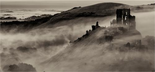 211-Corfe-Castle.jpg