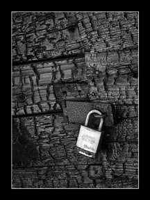 008_padlock