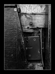 011_keyhole