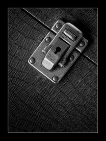 012_keyhole