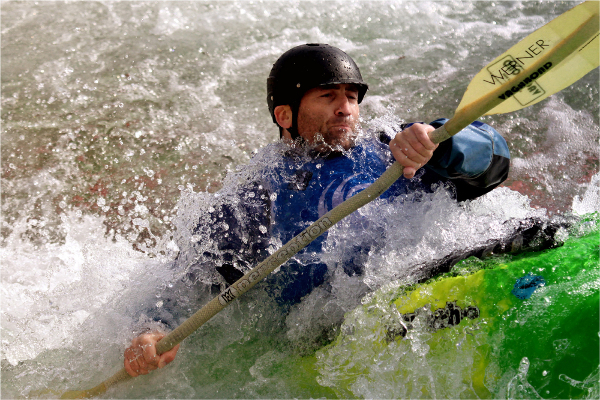 242be-white-water-canoeist