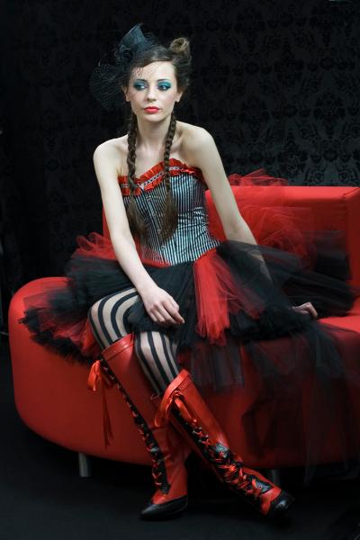 411cf-boudoir-girl