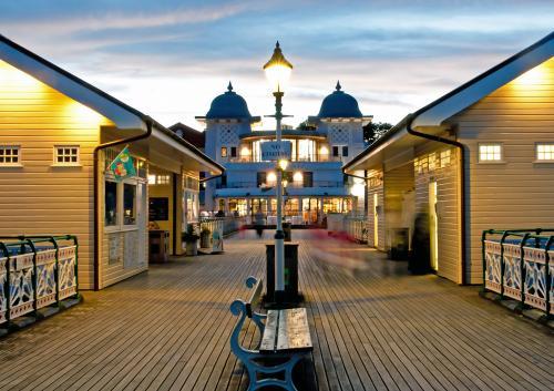 413-Ghosts-on-Penarth-Pier.jpg